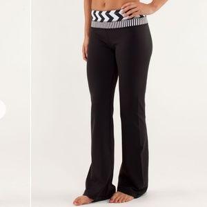 Lululemon Groove Pant wide leg flare black size 6